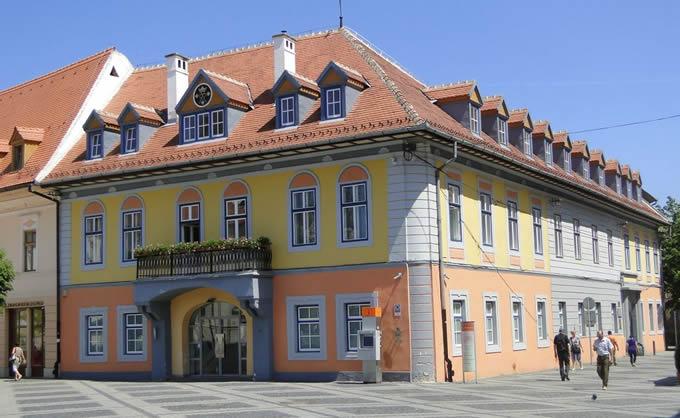 Piaţa Mare nr. 13, Casa Lutsch