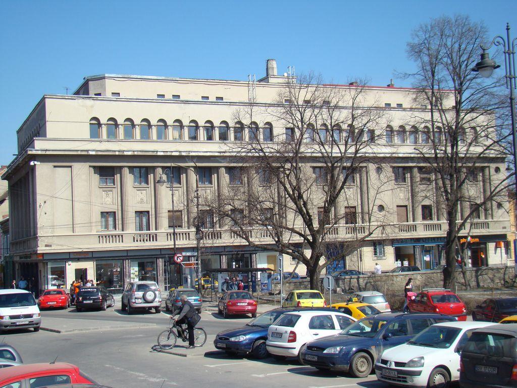 No. 1, Unirii Square