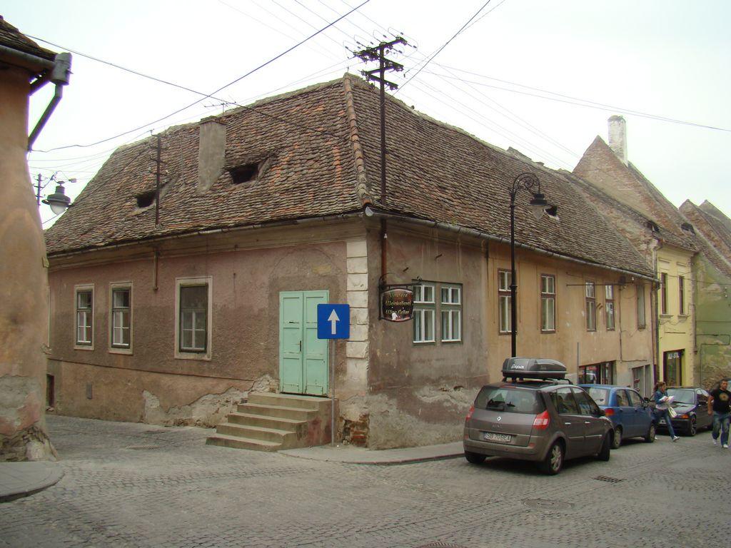 No. 3, Azilului Street