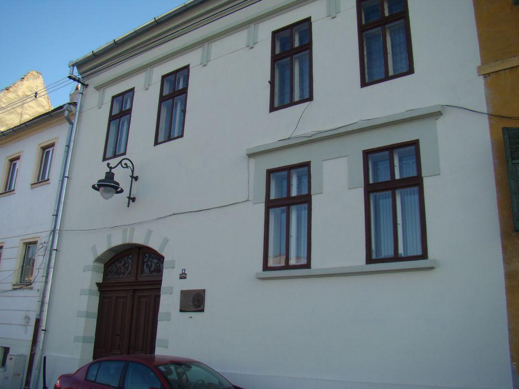 No. 4, Centumvirilor Street