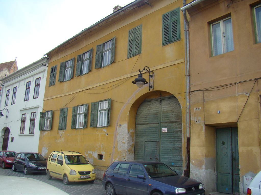 No. 5, Centumvirilor Street