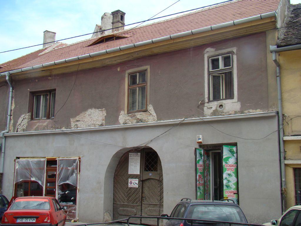 No. 20, Faurului Street