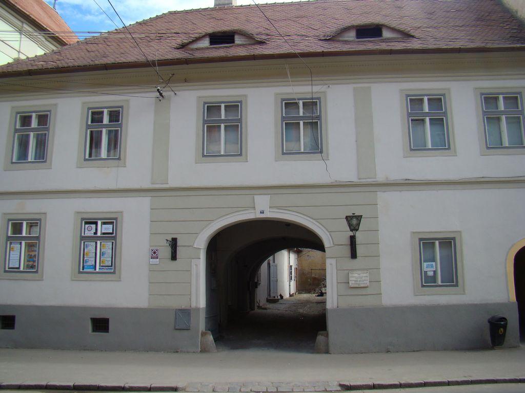 No. 11, Mitropoliei Street