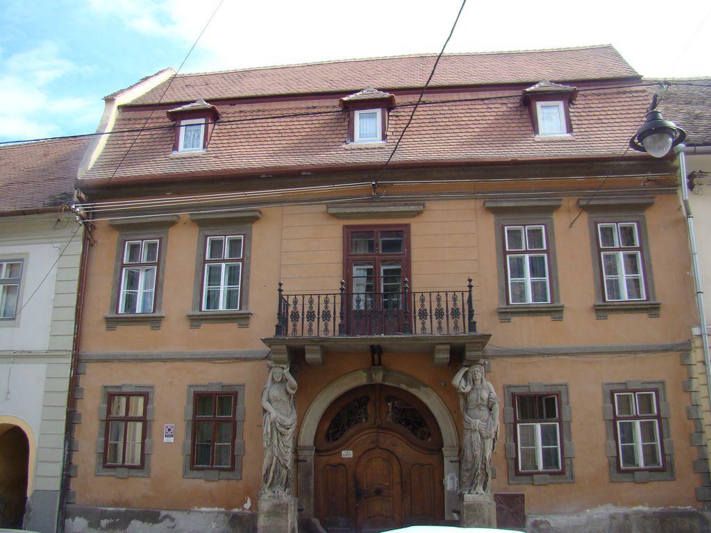 No. 13, Mitropoliei Street
