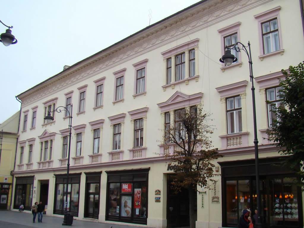 Str. Nicolae Bălcescu nr. 1-3